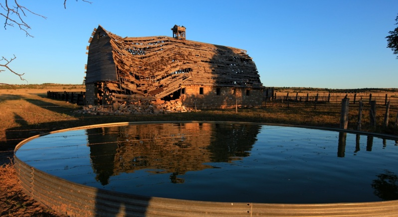 photo of crumbling barn